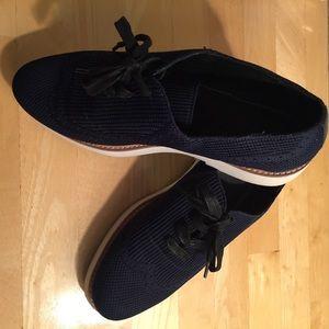 Zara Navy blue platform tie up shoes